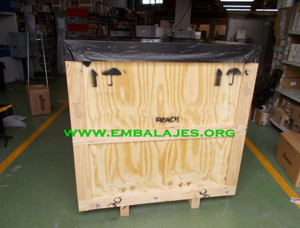Caja de transporte de contrachapado con tapa
