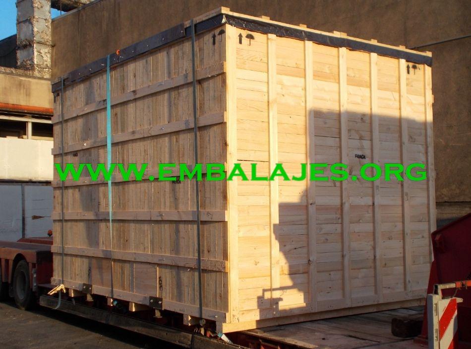 Caja de transporte de madera natural con tapa