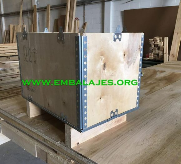 Cajas de madera plegables y reutilizables