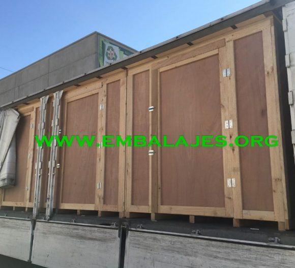 Fabricación e instalación de guardamuebles de madera