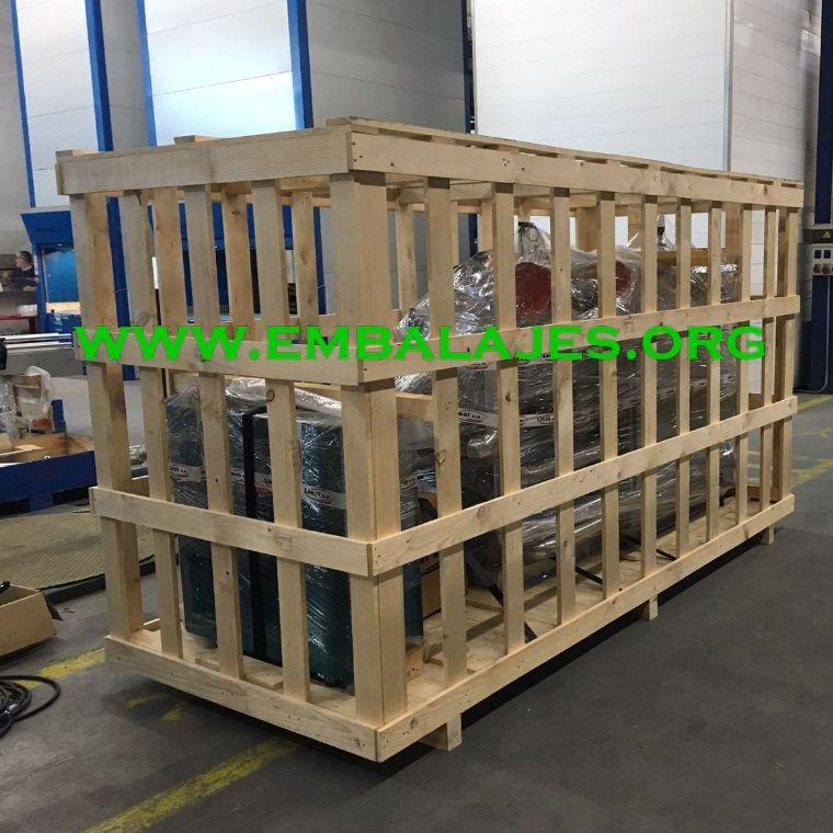 Jaula de madera para embalaje industrial